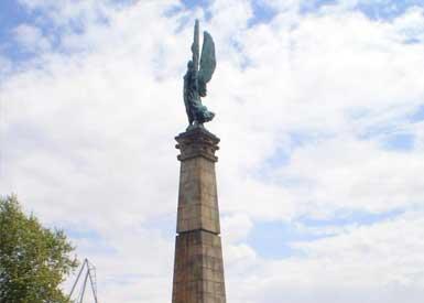 Monumento a los Caídos de África